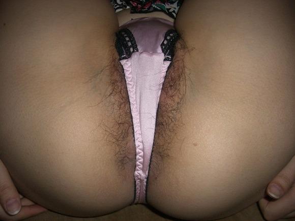 【マン毛エロ画像】パンティから見え隠れする女の子のマン毛が、濃ければ濃いほどエロいと思う! 08