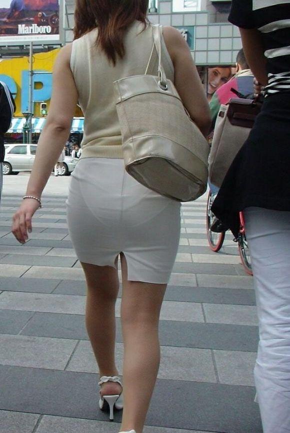 【スケパンエロ画像】じーっと見れば、たくさんのスケパンが周りにありますよ! 08