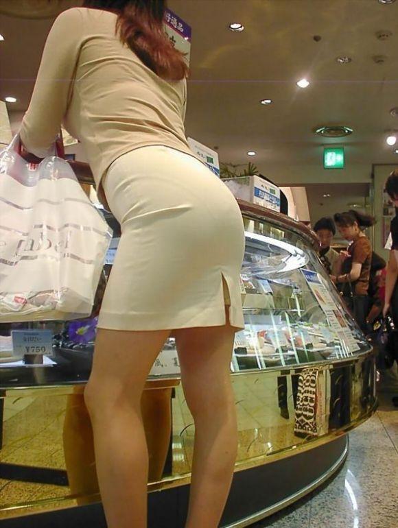 【スケパンエロ画像】じーっと見れば、たくさんのスケパンが周りにありますよ! 17