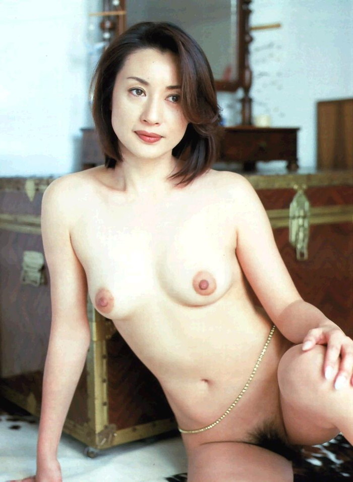 【きれいな熟女エロ画像】はっとする綺麗な熟女サマと濃厚なエッチをしたい! 06