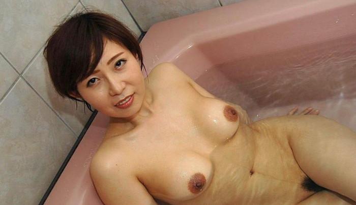 【きれいな熟女エロ画像】はっとする綺麗な熟女サマと濃厚なエッチをしたい! 28