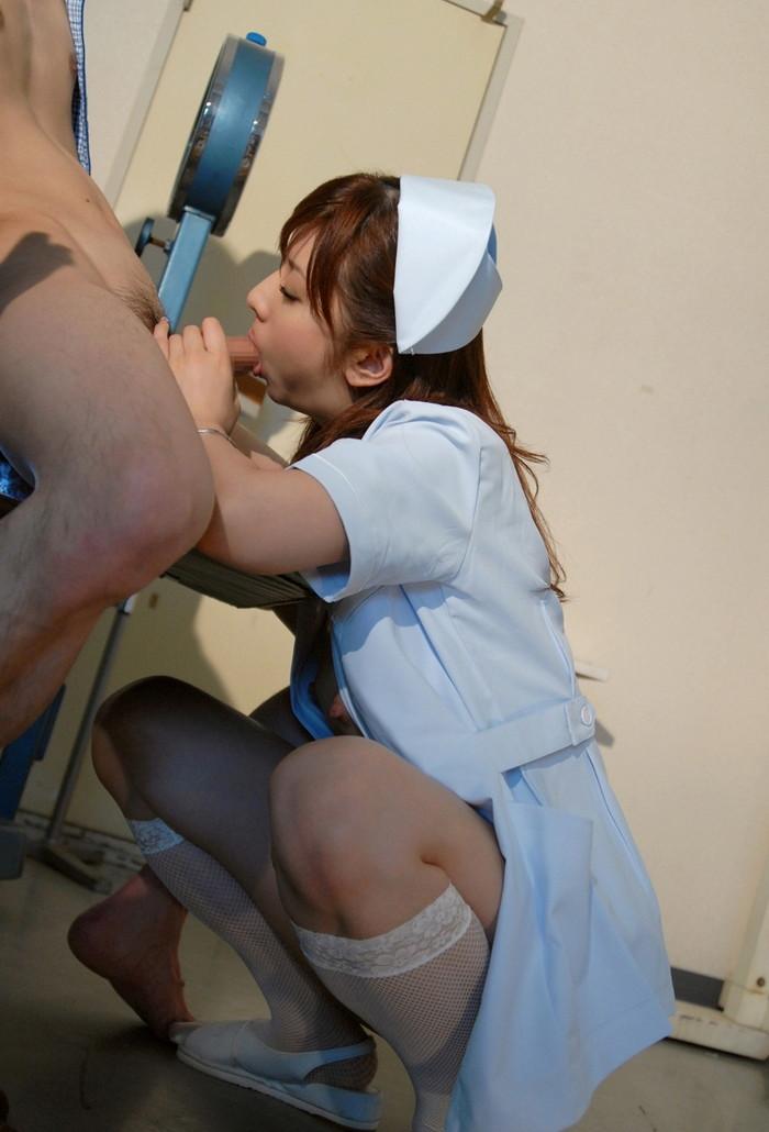 【看護師エロ画像】入院中にいやらしく抜いてくれる看護師さんがいたらずーと入院していたい! 22