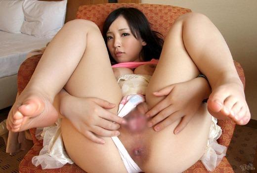 【くぱぁエロ画像】オマタを大きく開いて素敵なオマンコをくぱぁしている女の子! 15
