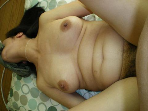 【巨乳正常位エロ画像】女の子の巨乳が揺れる正常位は、すぐにイきそうです! 28