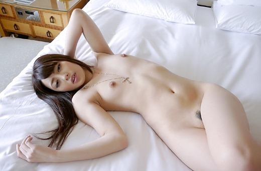 【貧乳エロ画像】かわいい女の子の貧乳は、なんとも言えない品格があるよw 17