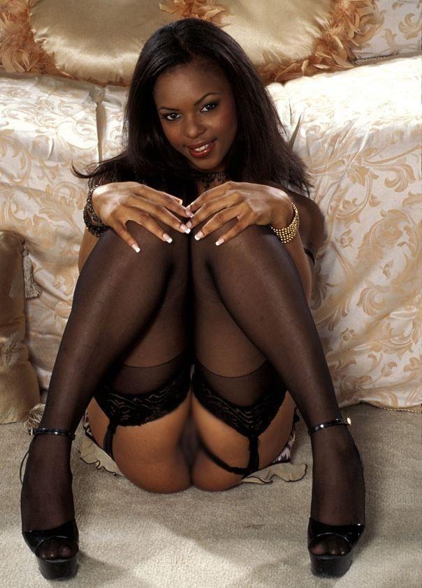 【黒人女性エロ画像】スタイルが抜群で結構可愛くて綺麗な子がいっぱいいるんですねw 09