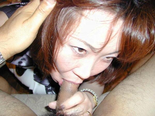 【熟女フェラエロ画像】こってりとした濃厚な熟女のフェラは、もちろん好きです! 16