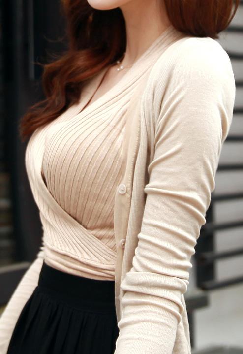 【セーターもっこりエロ画像】絶対におっぱいがデカいとわかるセーターの膨らみに興奮! 12