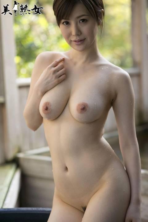 【AV熟女エロ画像】ホント美しくてエロいAV熟女って最高ですね。抜きどころ満載です。 24