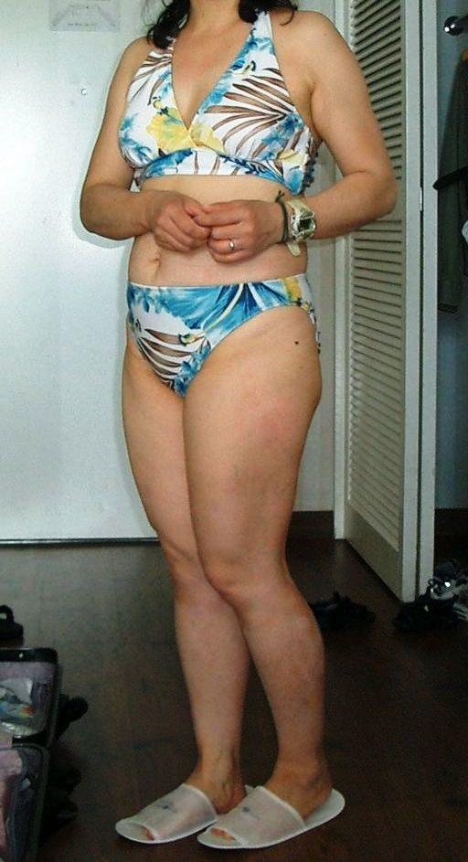 【水着熟女エロ画像】水着姿の、年季の入った身体つきでいつものエロさが倍増! 06