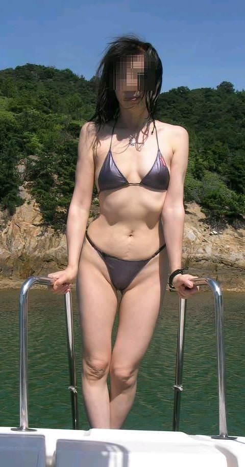 【水着熟女エロ画像】水着姿の、年季の入った身体つきでいつものエロさが倍増! 07