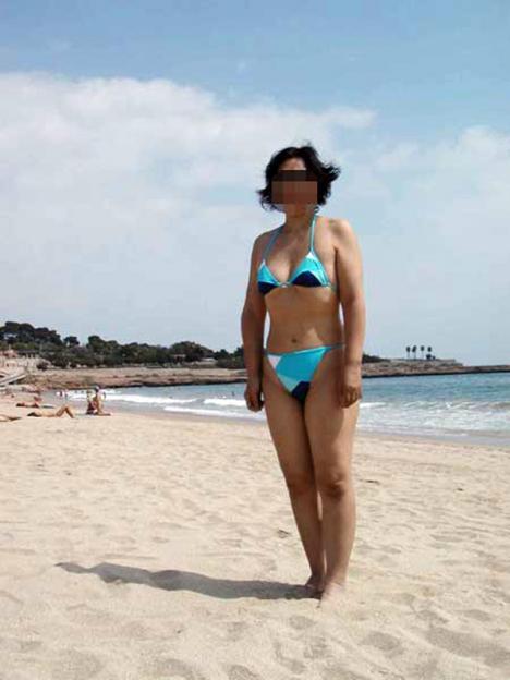 【水着熟女エロ画像】水着姿の、年季の入った身体つきでいつものエロさが倍増! 31