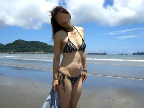 【水着熟女エロ画像】水着姿の、年季の入った身体つきでいつものエロさが倍増! 38