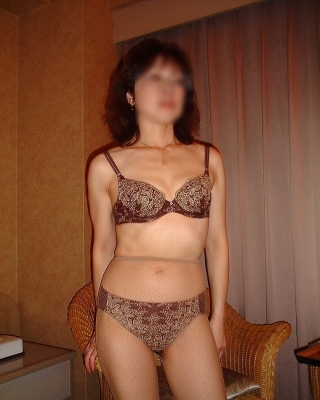 【矯正下着エロ画像】熟女がよく履く矯正下着、脱がすのに一苦労しますよ 25