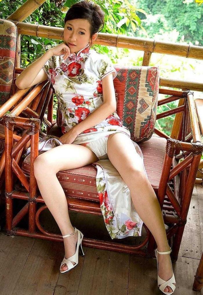 【チャイナドレスエロ画像】やっぱ昔からエロいチャイナドレスの女の子 10