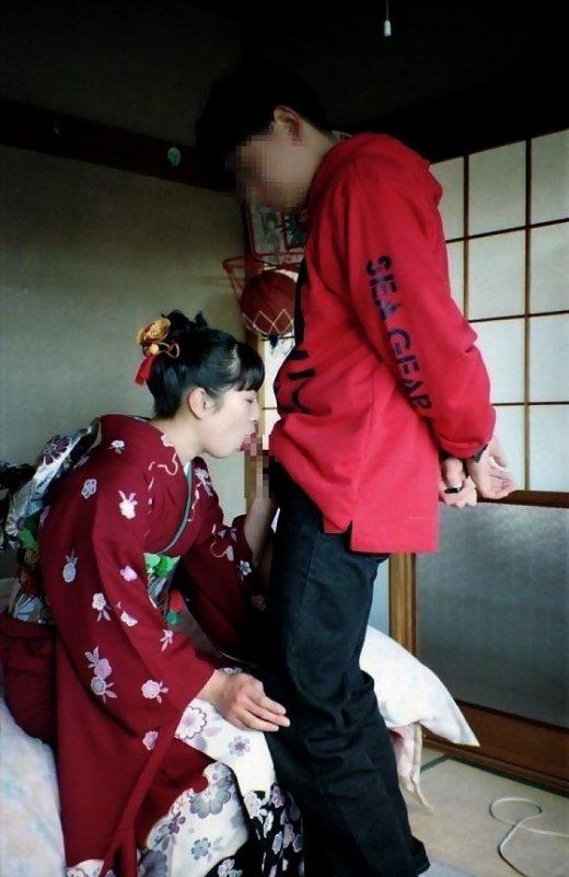 【着物女性エロ画像】女性の美しい着物を乱すようなエロいエッチをしたい! 18