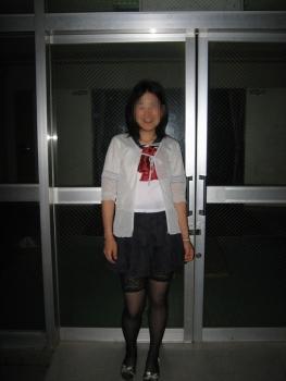 【熟女セーラー服エロ画像】こんなババアが着るセーラー服姿に意外にも興奮してしまう私・・・ 02