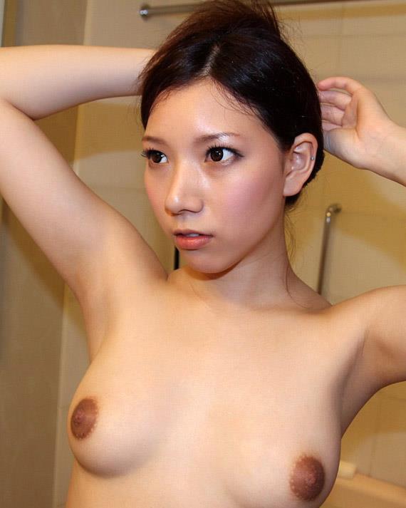 【黒乳首乳輪エロ画像】黒い乳首や乳輪見るとなぜいつもより興奮するんでしょうね 14