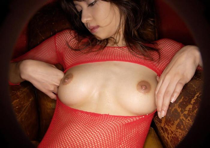【真っ赤な下着エロ画像】真っ赤な下着を履く女は、何を望んでいるのでしょうか? 01