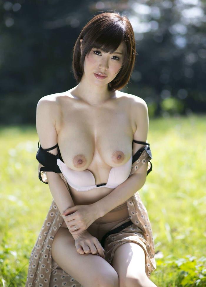 【美人人妻エロ画像】美しい人妻・・・実はカラダは男を欲しているアソコは疼いているかも? 19