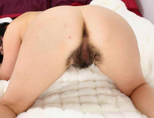 【剛毛エロ画像】パンツからもじゃもじゃとはみ出している剛毛に性欲を感じてしまう・・・ 09