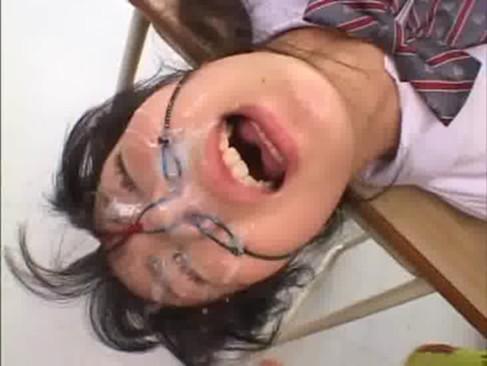 【鼻射エロ画像】最後のイク時は嫌がっても鼻の穴めがけて射精したい! 18