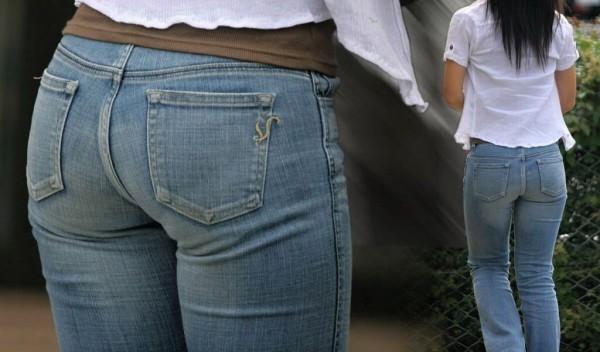 【デニムエロ画像】女性の身体の線がバッチリ見えるし、大きい尻ならなおさら良い!