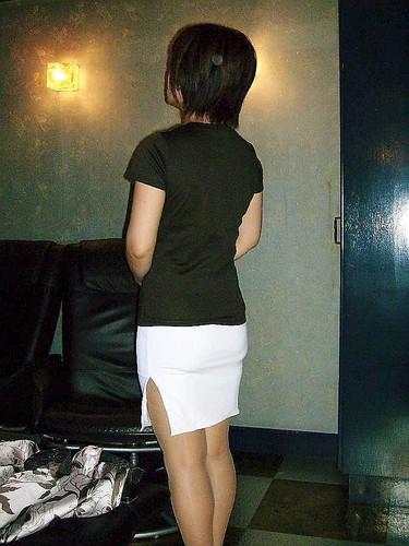 【熟女ミニスカエロ画像】いい年してあんなに短いスカート穿いて!誰を誘うのか? 25