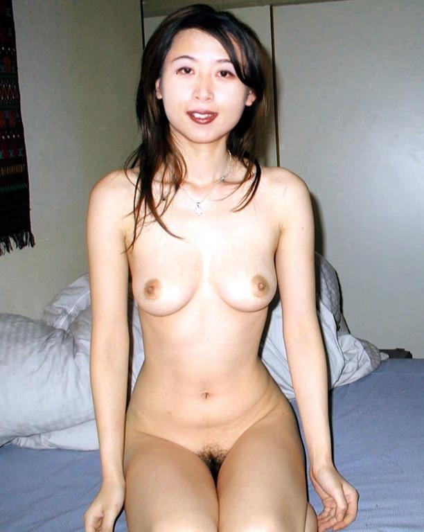 【熟女垂れ乳エロ画像】乳輪も乳首もテカって垂れている乳房は、エロくて最高! 11