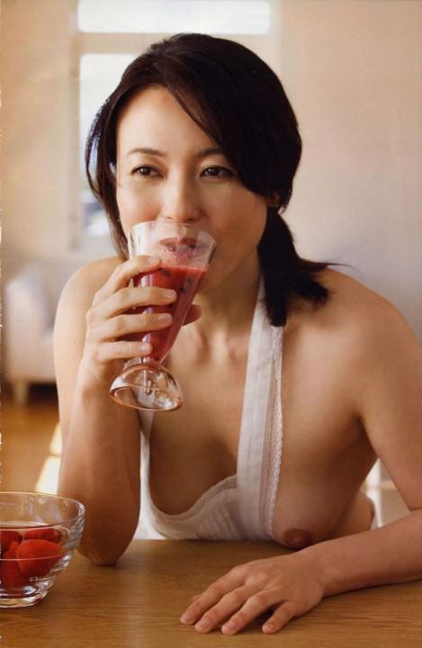 【熟女垂れ乳エロ画像】乳輪も乳首もテカって垂れている乳房は、エロくて最高! 18