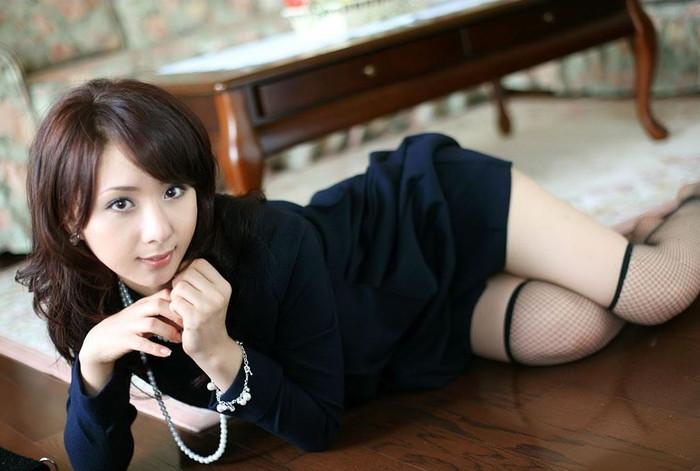【熟女垂れ乳エロ画像】乳輪も乳首もテカって垂れている乳房は、エロくて最高! 25