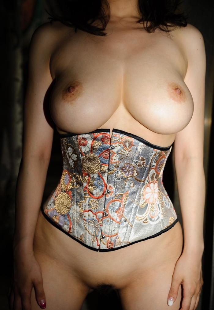 【日本人女性巨乳エロ画像】日本人にも外人に負けないくらいの超爆乳娘はたくさんいるよ 07