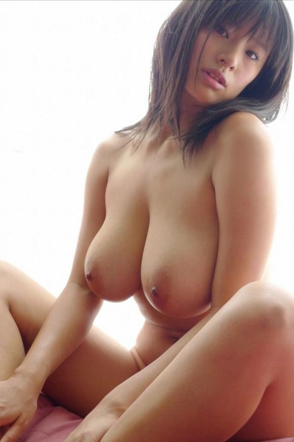 【日本人女性巨乳エロ画像】日本人にも外人に負けないくらいの超爆乳娘はたくさんいるよ 09