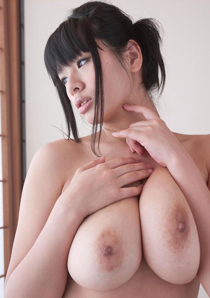 【日本人女性巨乳エロ画像】日本人にも外人に負けないくらいの超爆乳娘はたくさんいるよ 17