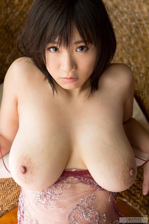 【日本人女性巨乳エロ画像】日本人にも外人に負けないくらいの超爆乳娘はたくさんいるよ 25