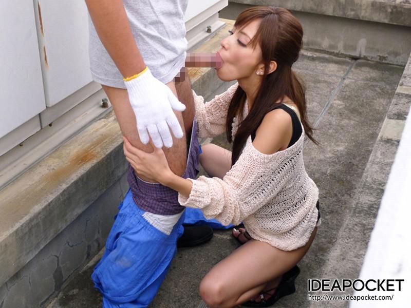 【跪きフェラエロ画像】女の子の跪きフェラ 支配欲が満たされた感じですね