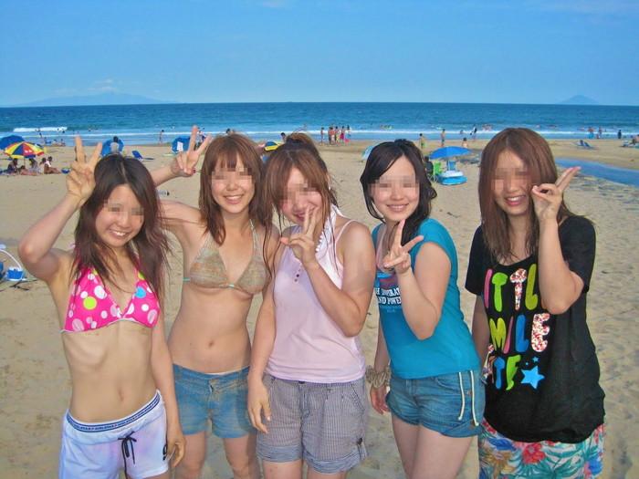 【水着エロ画像】やっぱ夏は女子の水着でしょう!見るだけで目の保養になりますな! 07