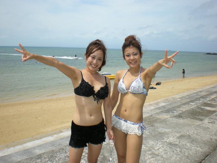 【水着エロ画像】やっぱ夏は女子の水着でしょう!見るだけで目の保養になりますな! 08