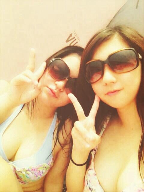 【水着エロ画像】やっぱ夏は女子の水着でしょう!見るだけで目の保養になりますな! 22