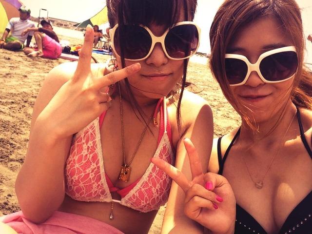 【水着エロ画像】やっぱ夏は女子の水着でしょう!見るだけで目の保養になりますな! 24