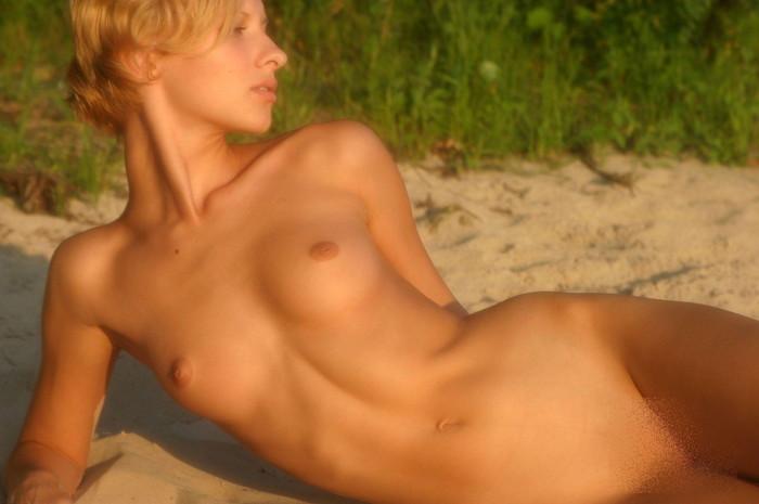 【ウクライナ系美女エロ画像】ホント美少女とは、彼女たちのことですね!よだれが出てしまいます! 21
