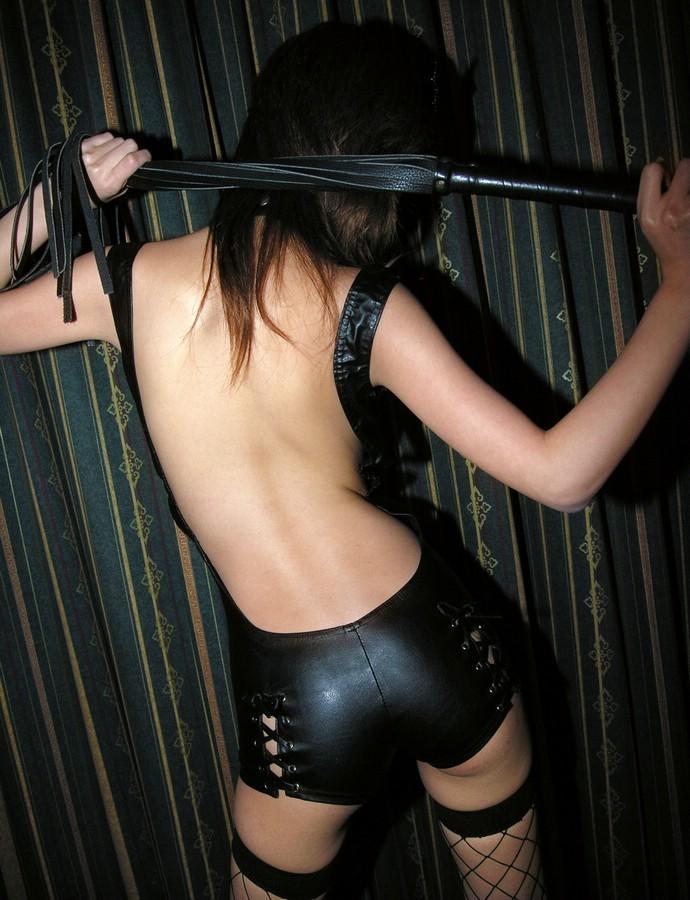 【後ろ姿エロ画像】裸の女性の後姿こそ美しくエロいものはない! 16