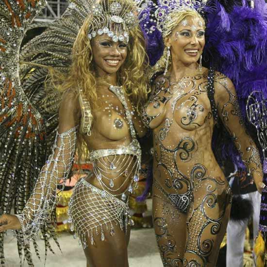 【ブラジル女性エロ画像】リオカーニバルでおっぱい丸出しで踊り狂うセクシーな女性たち 13