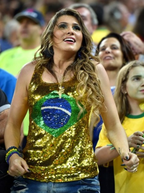 【ブラジル女性サポーターエロ画像】結構可愛い子がいる、サッカー好きなブラジル女性サポーター 12