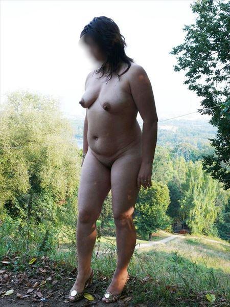 【近所おばさんエロ画像】その辺にいる近所のおばさん、実は超エロい体しているんですよw 22