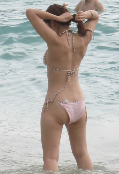 【夏水着エロ画像】夏の女の子の水着ってどうしてこんなにエロいのか! 06
