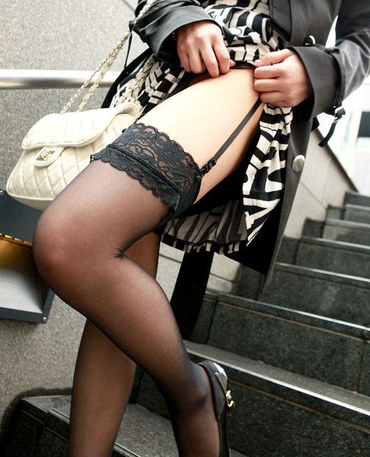 【ガーターベルトエロ画像】なぜガーターベルトをつける女性は、いい女が多いのか? 03