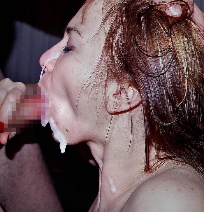 【外人女性フェラエロ画像】デカマラを美味しそうにフェラするフェラ顔に勃起! 24