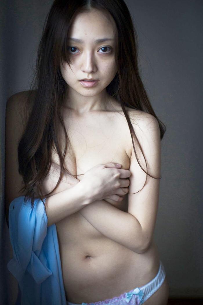 【脱いだ芸能人エロ画像】え!?この人脱いでたの!?脱いだ芸能人の素晴らしすぎる裸体 26