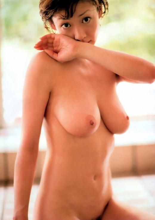 【脱いだ芸能人エロ画像】え!?この人脱いでたの!?脱いだ芸能人の素晴らしすぎる裸体 35